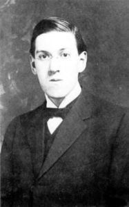 220px-Howard_Phillips_Lovecraft_in_1915_(2)